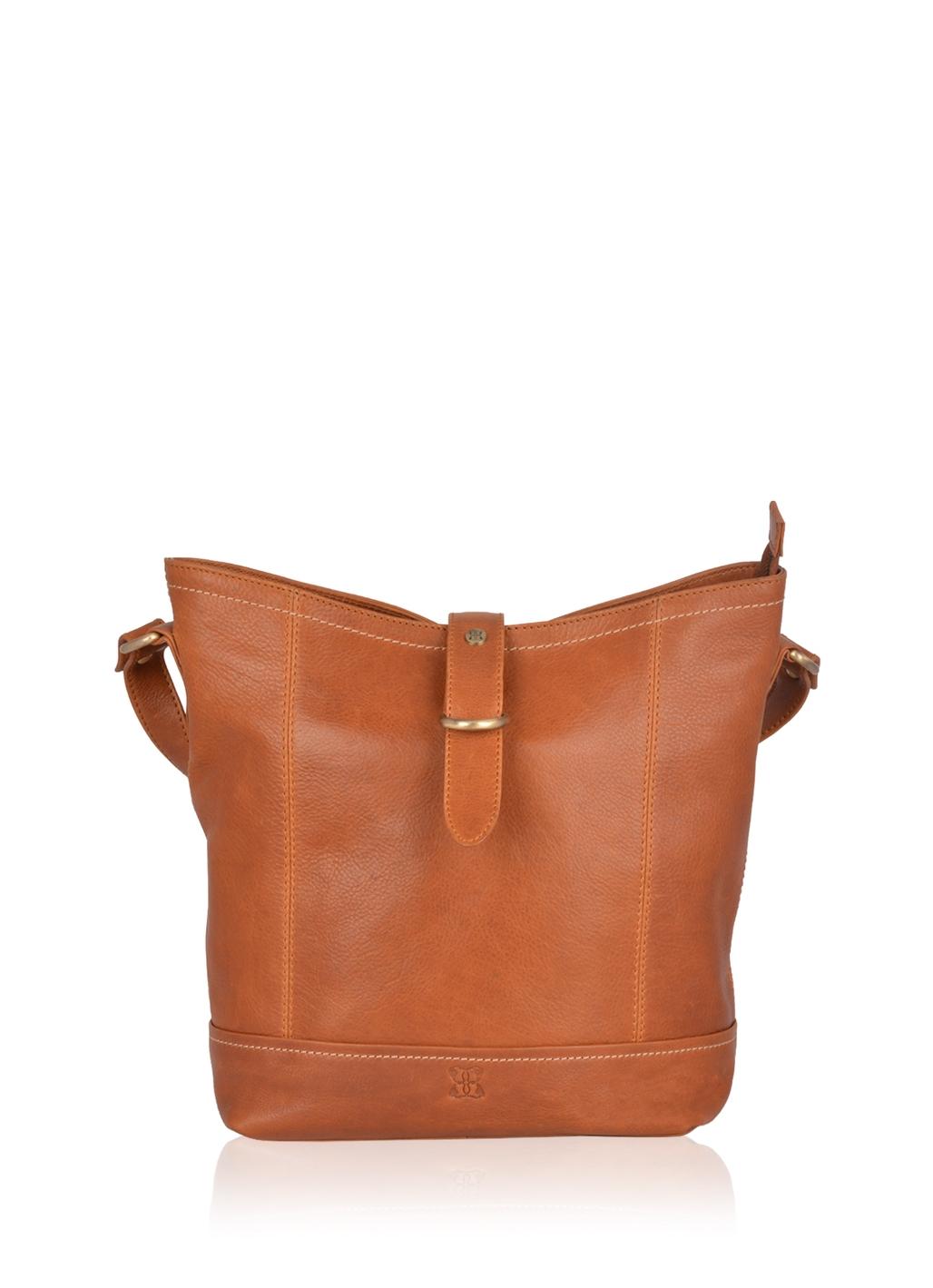 Allonby Leather Shoulder Bag in Tan