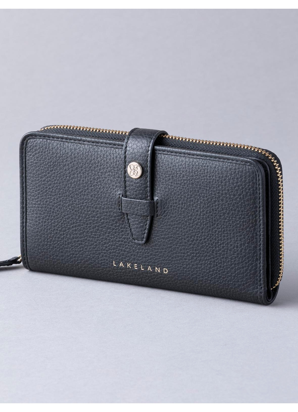 Fairfield Leather Purse in Black
