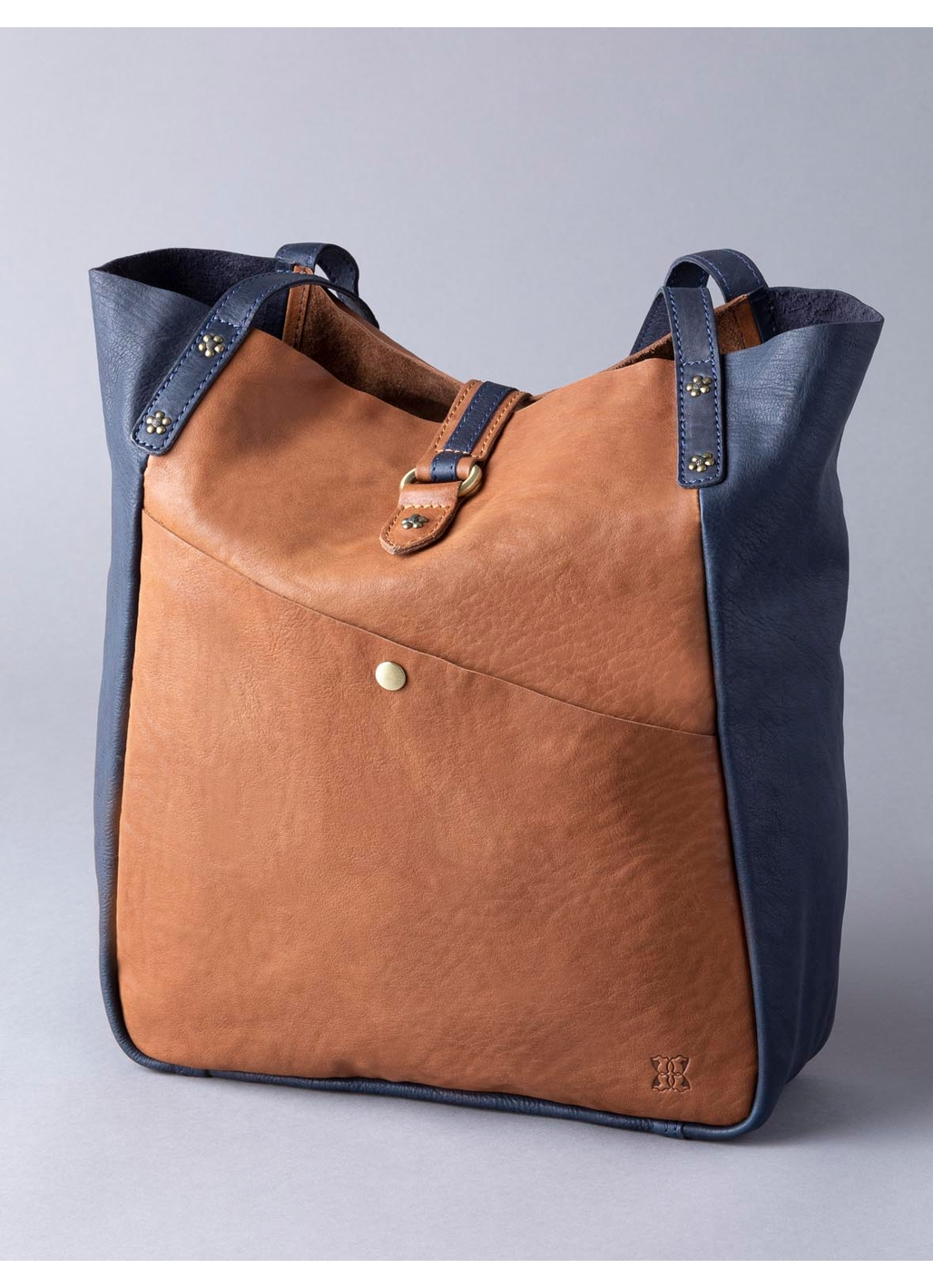 Hartsop Leather Tote Bag in Navy & Cognac