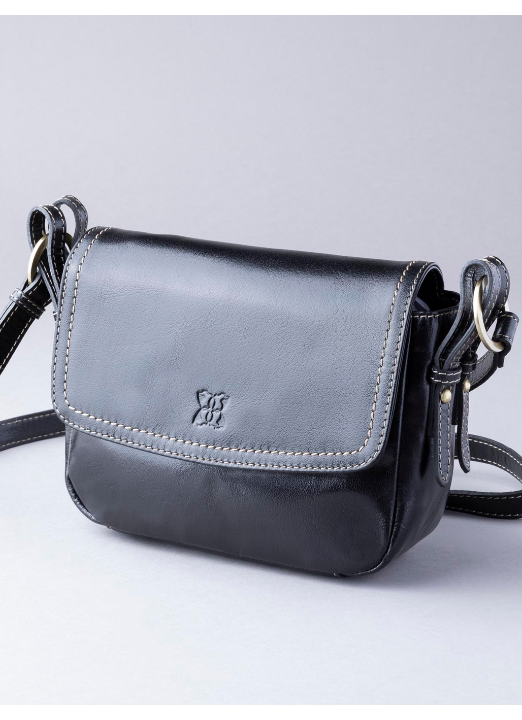 Bowness Leather Cross Body Bag in Black