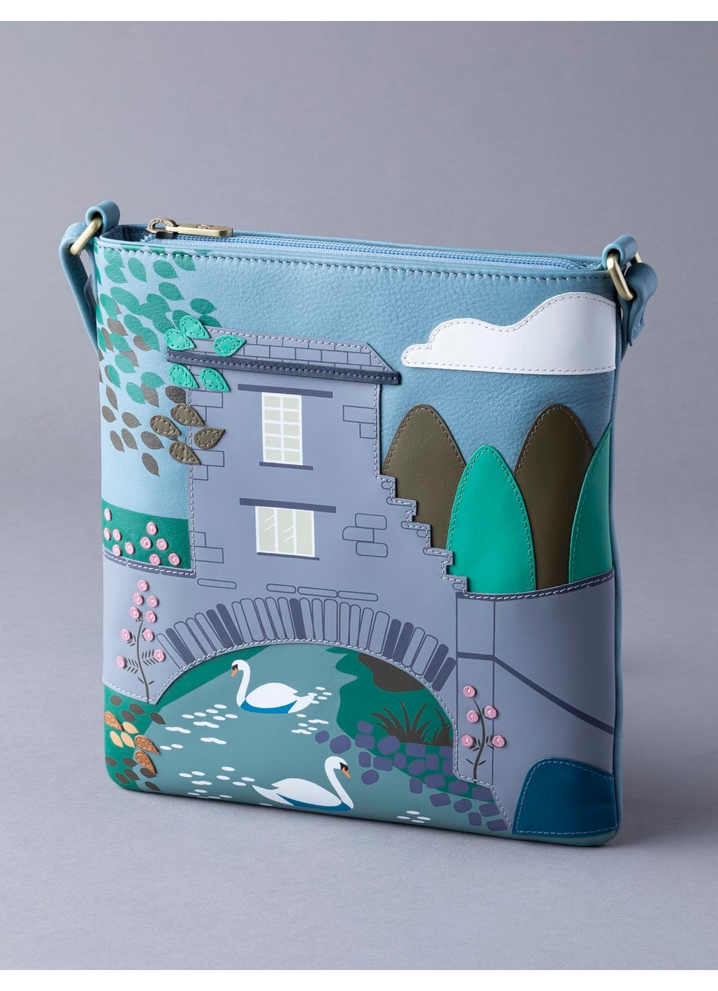The Lakes Bridge House Cross Body Bag in Blue