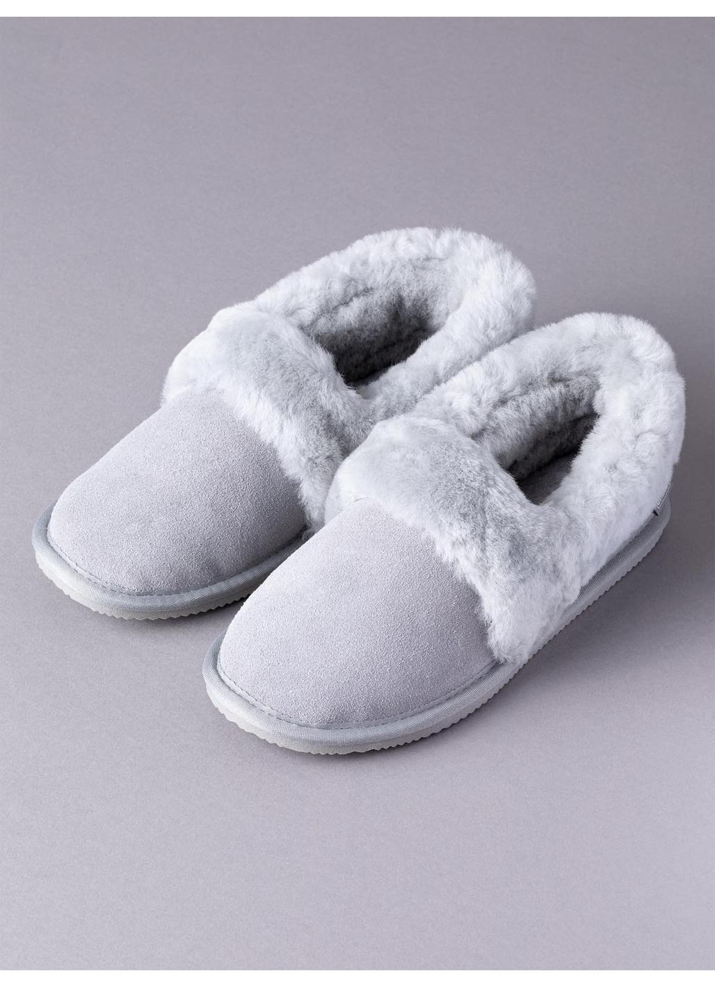 Ladies' Sheepskin Cuff Slippers in Light Grey