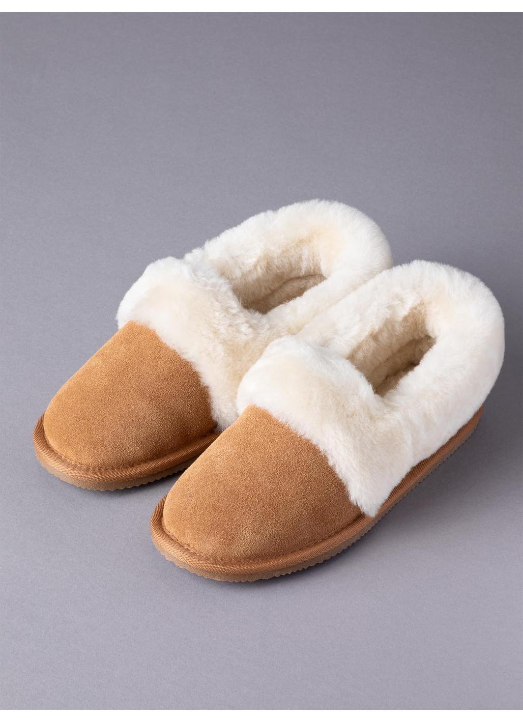 Ladies' Sheepskin Cuff Slippers in Tan